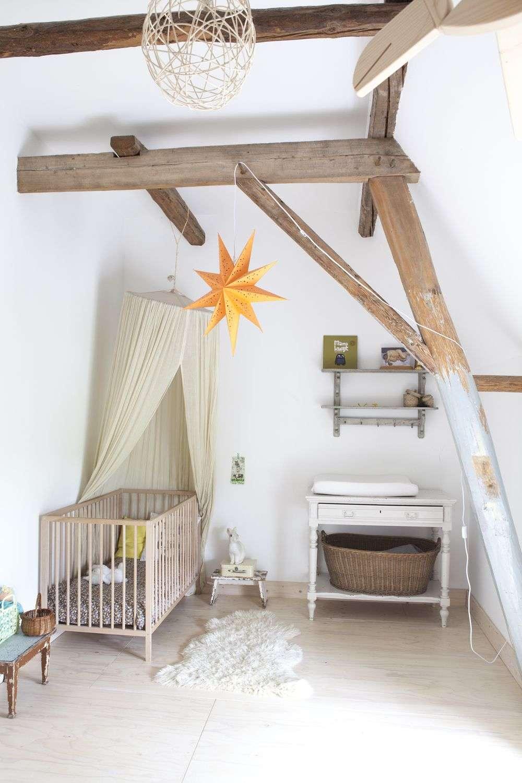Балдахін на дитяче ліжечко (57 фото): захистимо сон дитини