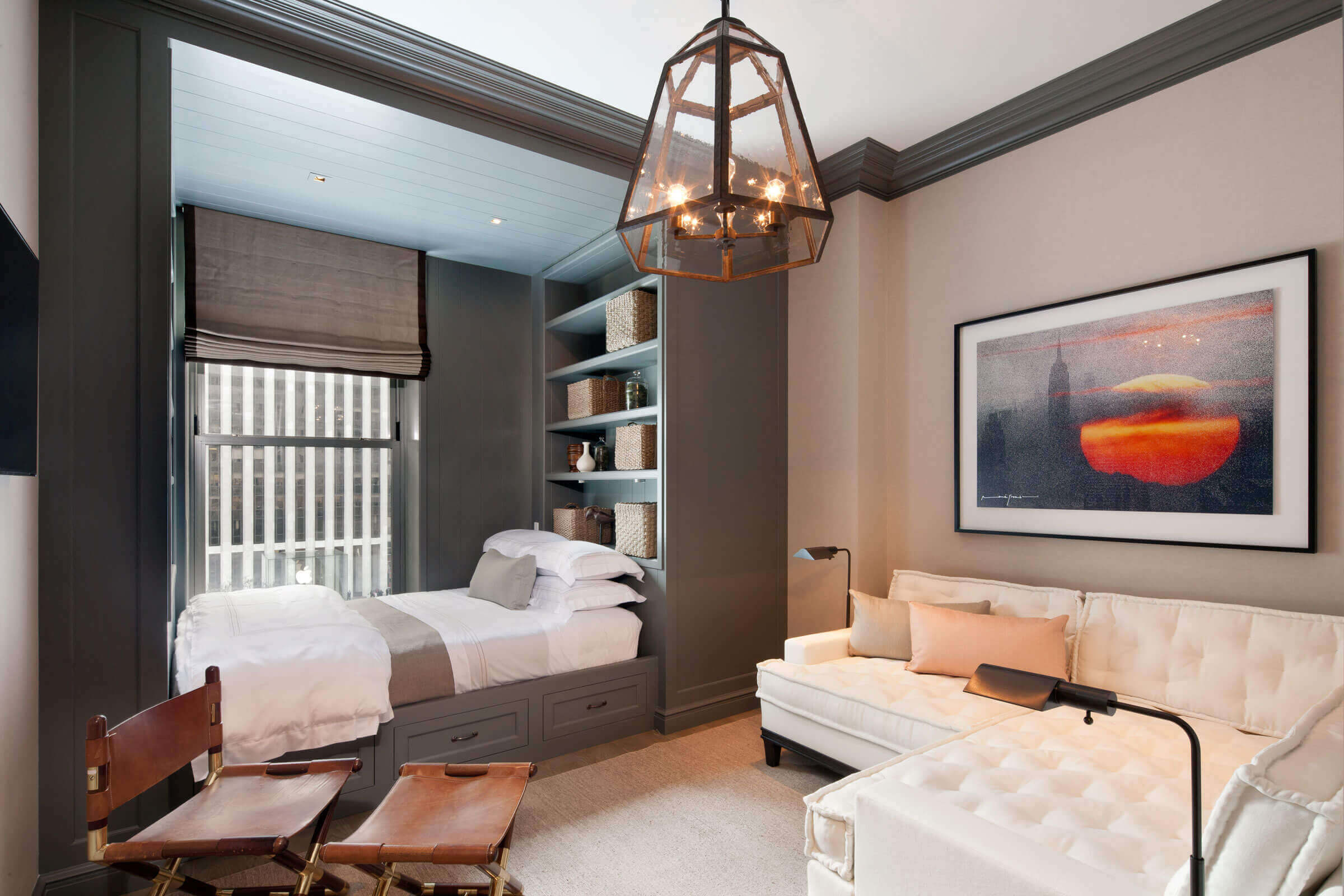 Поради дизайнерів: як спланувати зонування і інтерєр спальні-вітальні на 17 кв. м