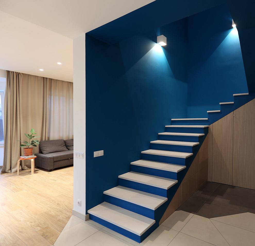 П-подібні сходи на другий поверх: види конструкцій і особливості вибору матеріалів