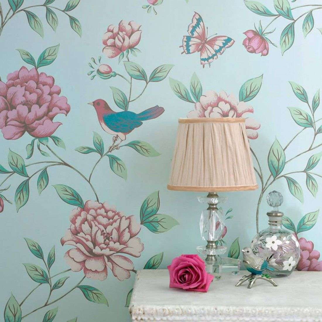 Шпалери в квітку в інтерєрі (50 фото): романтика природи в міській квартирі
