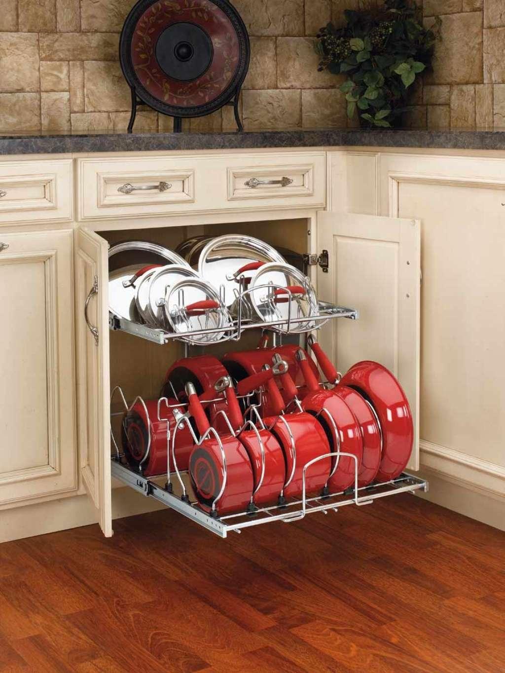 Шафи для кухні (55 фото): функціональні, місткі, стильні