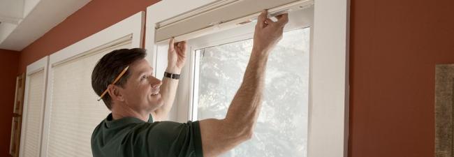 Як вибрати стильні і функціональні жалюзі на дверях?