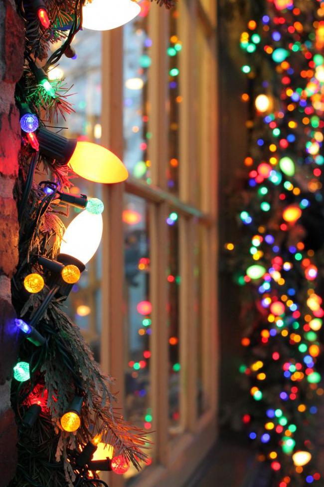 Як прикрасити вікно на Новий рік? Підбірка ідей і простих майстер-класів своїми руками