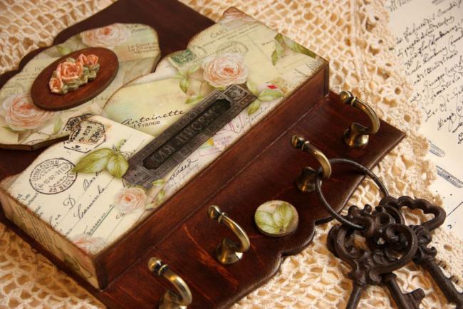 Варіанти декупажу ключниці своїми руками: 5 покрокових майстер-класів