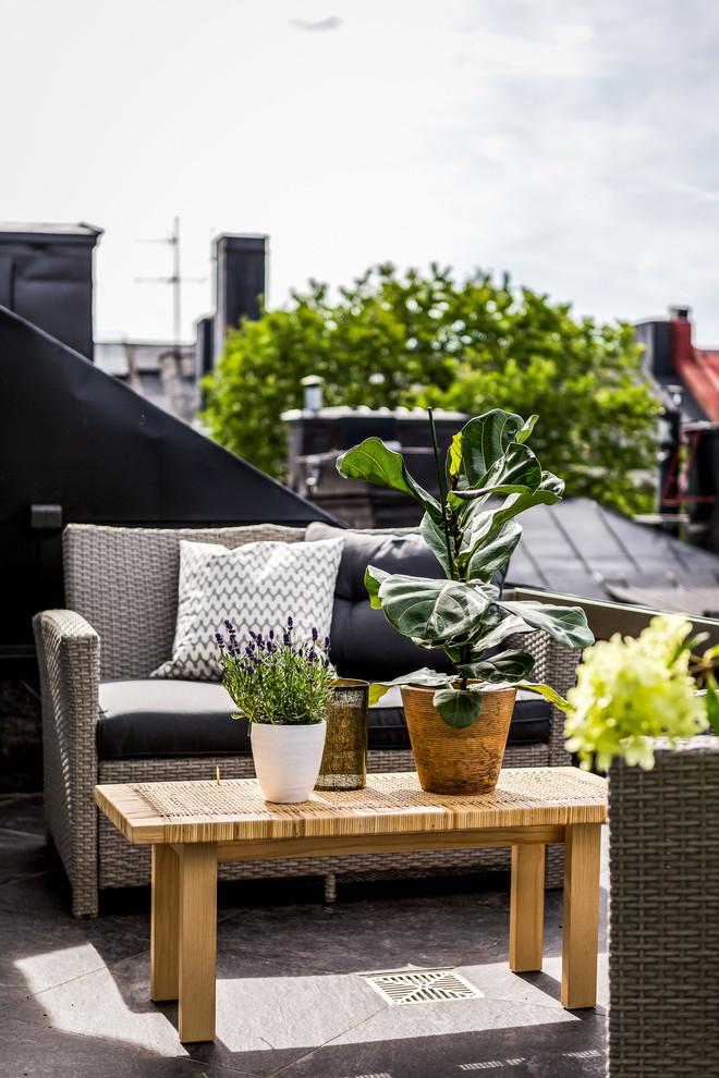 Дизайн кухні з виходом на балкон: кращі ідеї планування, утеплення й вибір функціональної меблів
