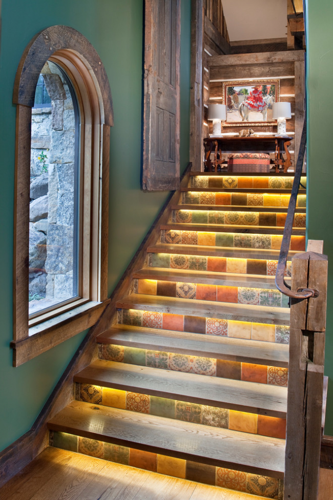 Керамічна плитка для сходів: що потрібно знати перед купівлею і варіанти укладання