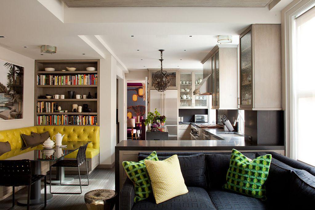 Дизайн просторій кухні з диваном: як створити продумане кухонне простір на 15 кв. метрів?