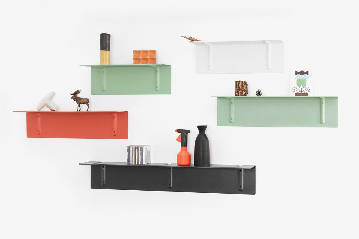 Настінні полиці: огляд функціональних моделей в стилі мінімалізм, лофт, модерн і хай-тек
