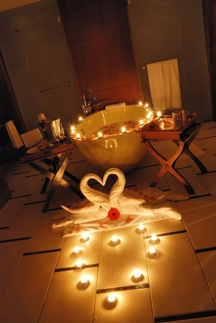 Романтичний вечір вдома: класичні й оригінальні ідеї для незабутнього вечора