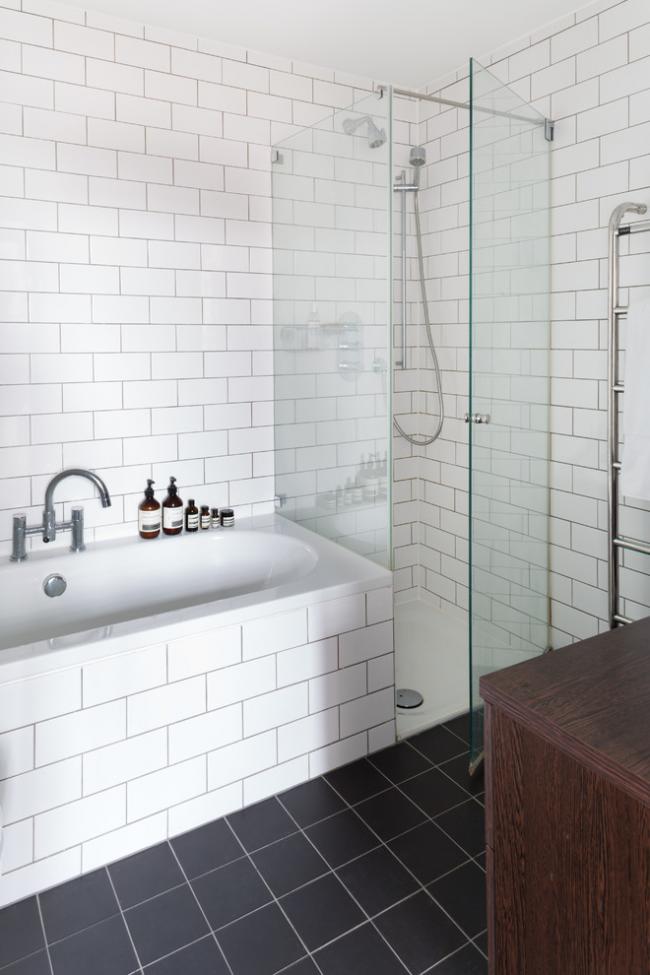 Система зливу-переливу для ванни напівавтомат: корисні поради для монтажу