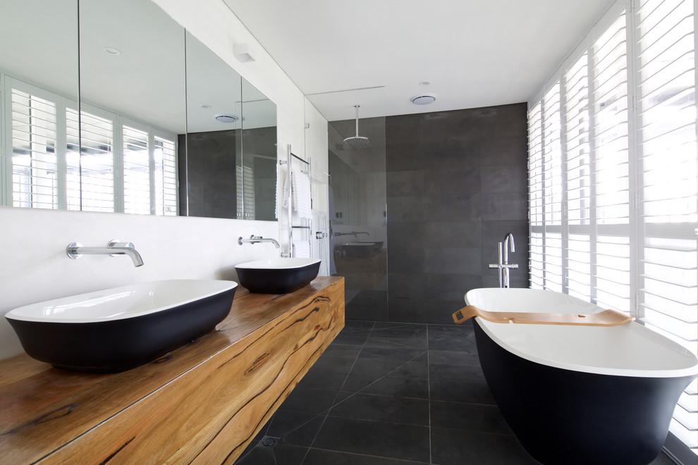 Функціональність понад усе: огляд змішувачів для ванни з душем Grohe