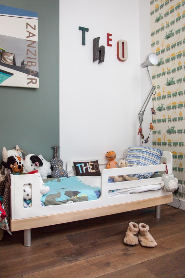 Ліжечко з бортиками для дитини від двох років: нюанси вибору для вдумливих батьків